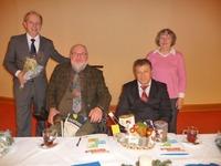 Bild.ABiMV (von links) Herr Dr. W. Mayr, Direktor des Kurhotels, Peter Braun, Landesvorsitzender des ABiMV e.V., Sergij Chumak, Vorsitzender des Behindertenverbandes Oblast Poltawa und Hanni Rossek, Vorsitzende des BV-Regionalverbandes Müritz e.V.