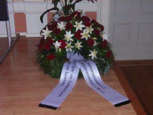 In Gedenken an die Opfer von Zwangssterilisation, Euthanasie und Rassenwahn - legten Mitglieder des ABiMV e.V. einen Kranz auf dem Sachsenberg nieder.