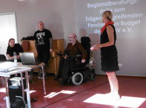 Begrüßung durch Frau Beck-Helbing (re) - Behindertenbeauftragte der Stadt Neubrandenburg